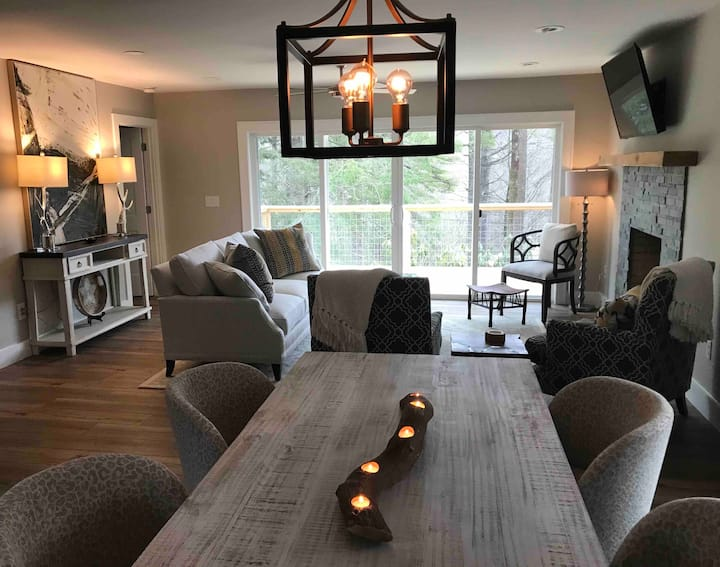 Brand New Renovation! Walk to Town - Highlands, NC