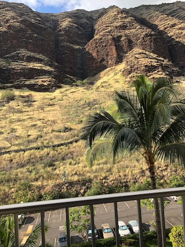 Makaha Valley Towers - Vacation on Oahu