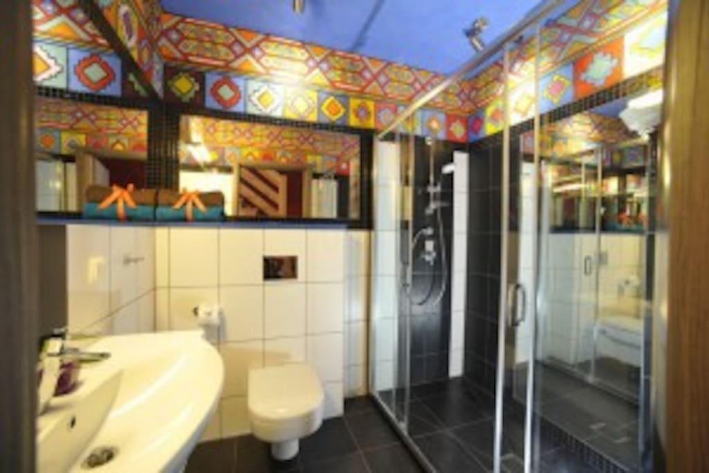 Łazienka w pokoju meksykańskim