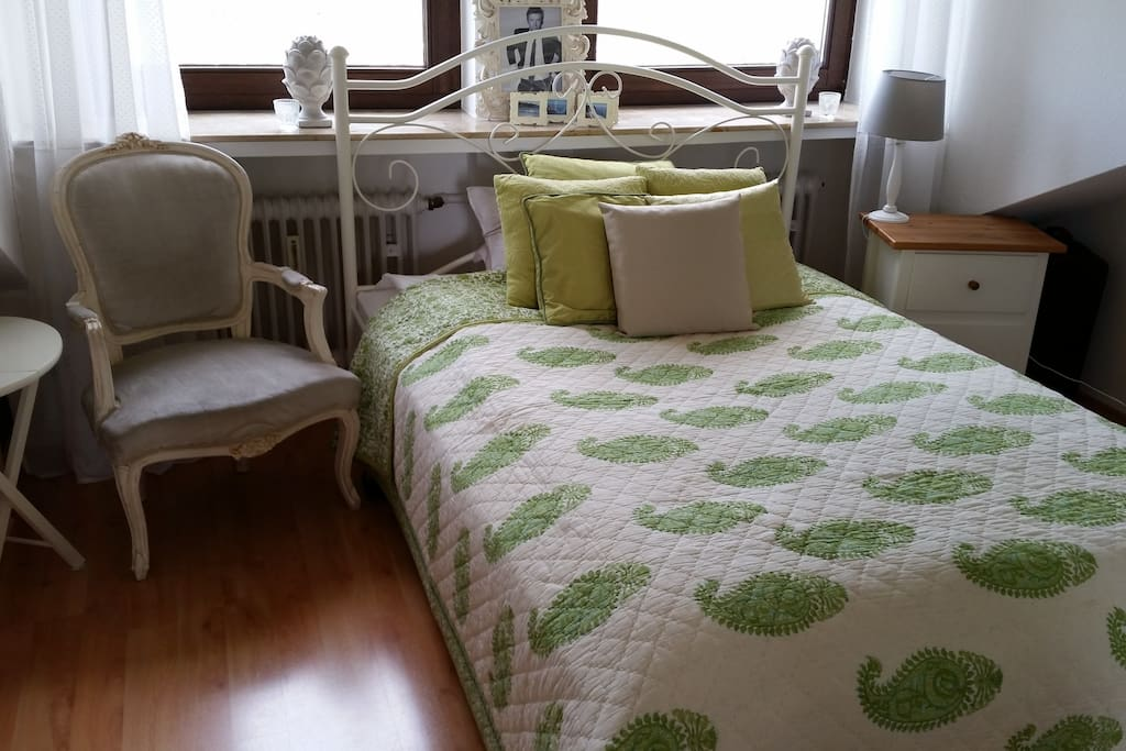 Bedroom for two with queen size bed