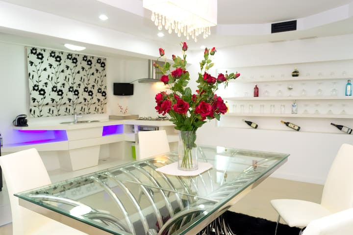 White Elegance with a Modern Touch - Bang Lamung - Rumah
