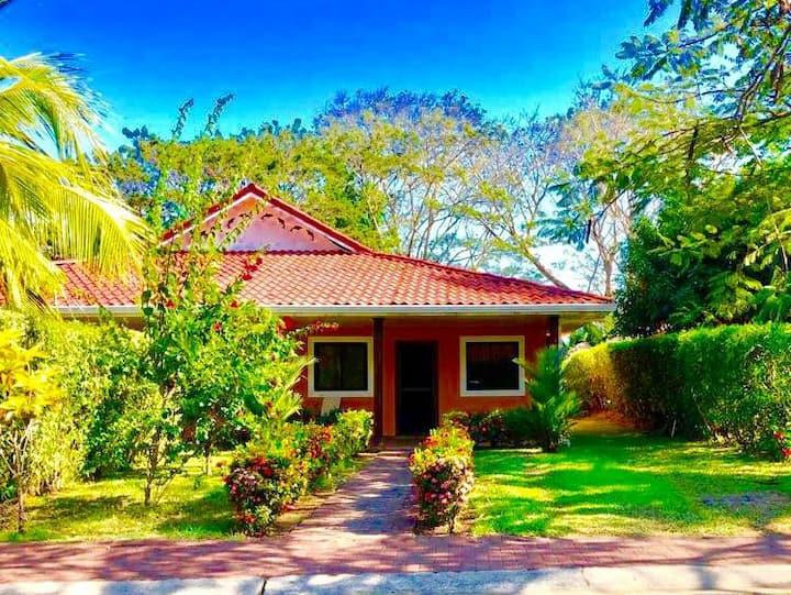 Villa in Los Delfines Country Club,  Costa Rica