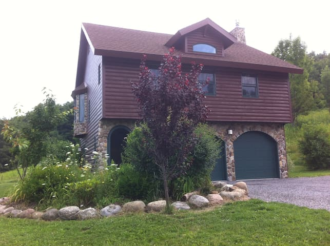 Carriage House in the mountains of CNY - Fabius - Srub