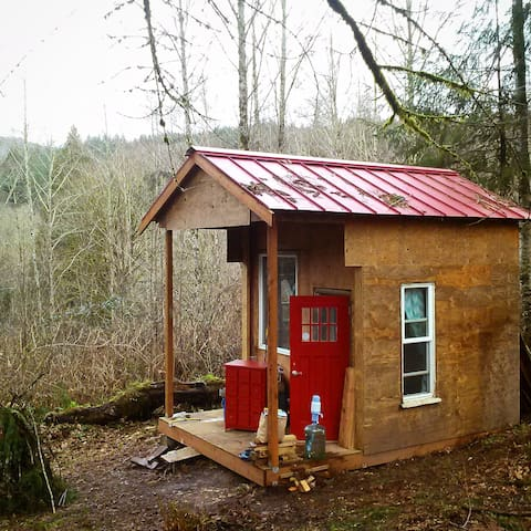 "Red Cabin on the Hill, ""Glamping"" - Kalama - Chatka"