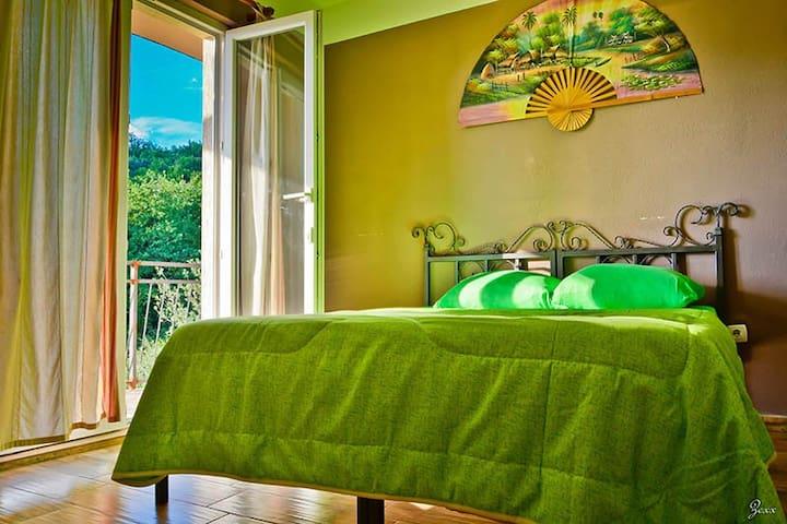 Art Hostel Anton private room - Tivat - Bed & Breakfast