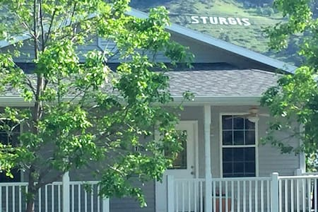 Perfect for Rally & Black Hills vacations - Sturgis - Haus