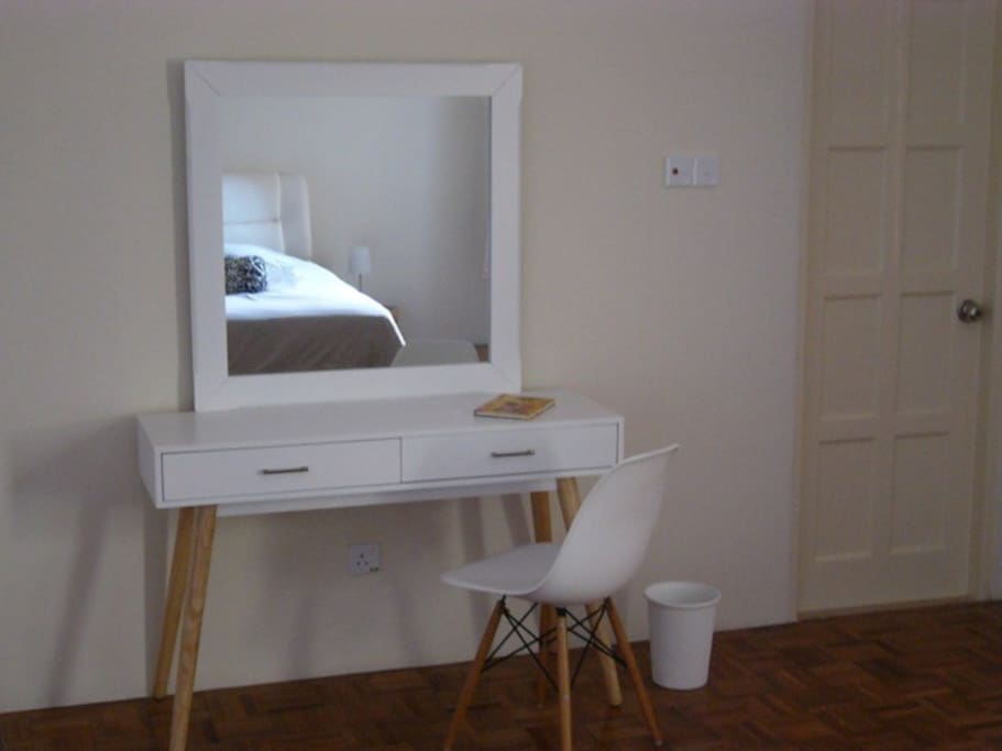 Modern dresser you can use for your laptop or make-up