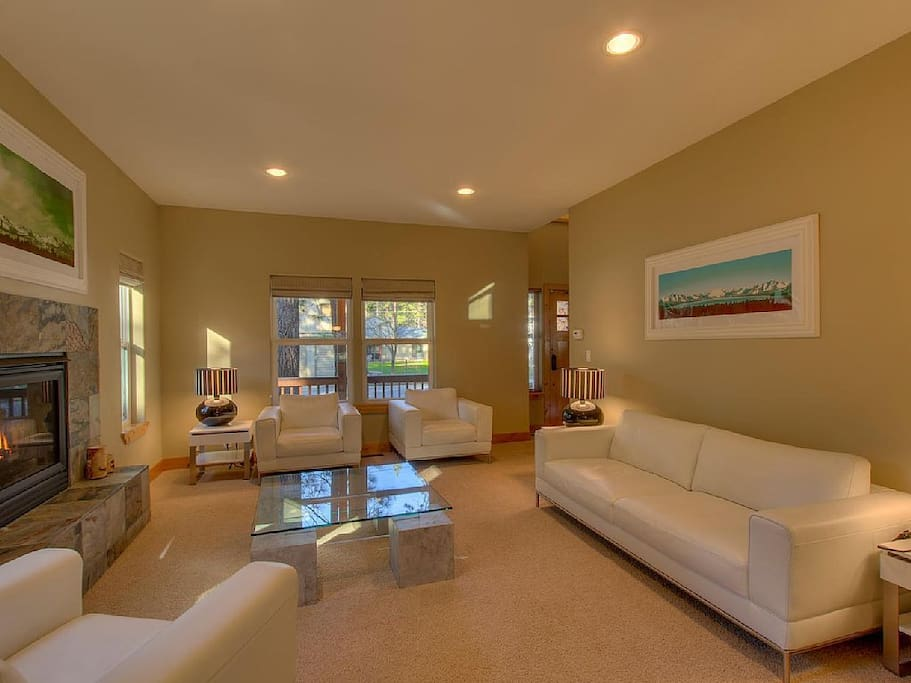 Formal living room, elegant and bright, an entertainers dream.
