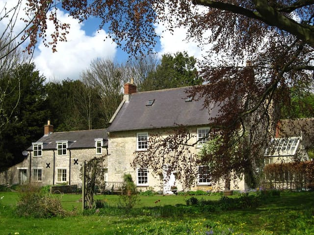 Spacious cottage in rural setting - Salton - Maison