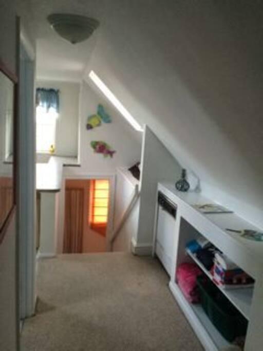 Hallway to Kitchen, bathroom & bedrooms.