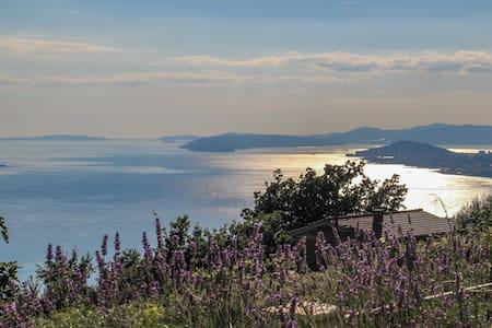 Private villa with amazing view & pool near Split - Podstrana