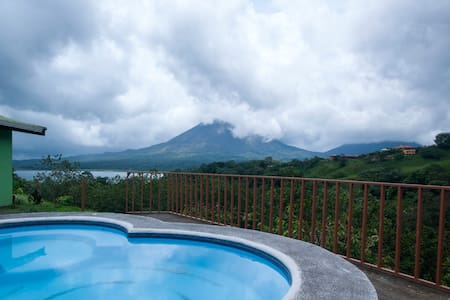Bungalow Private, Volcano View...