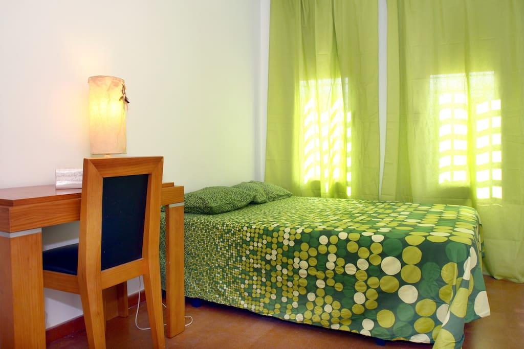 Dormitorio cama 135 cm.