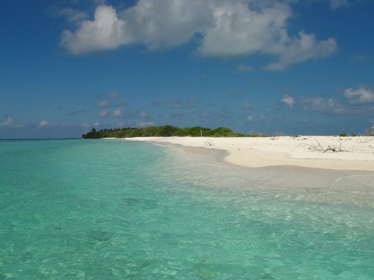 Fulhadhoo west beach