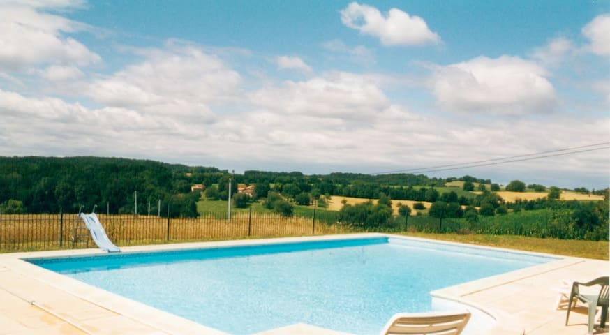 Classic Farmhouse, wonderful views - Grand-Brassac - Casa