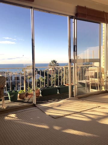 Bondi Beautiful Ocean Views Sleeps 1 to 3 - Waverley - Apartamento