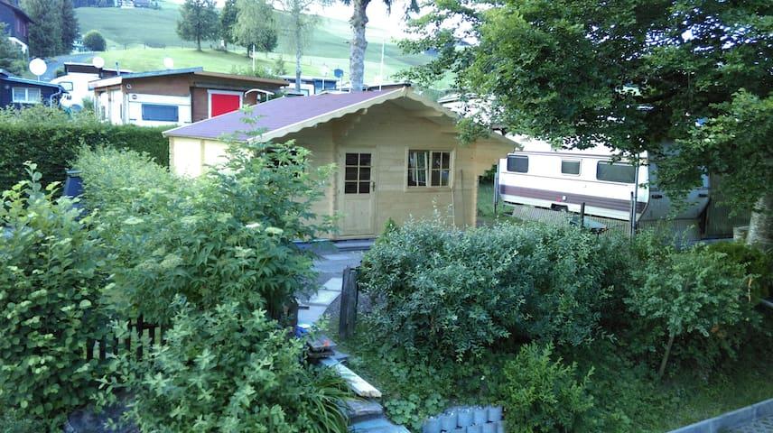 SWISS COTTAGE mit Gemeinschaftsbad - Schönengrund