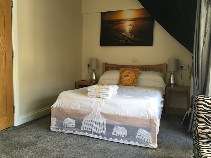 Double room En suite ( Amber) with parking