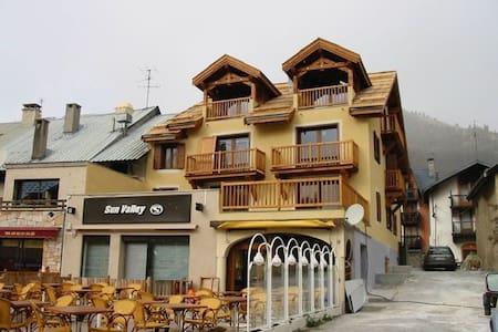 Splendido appartamento fronte piste - Montgenèvre