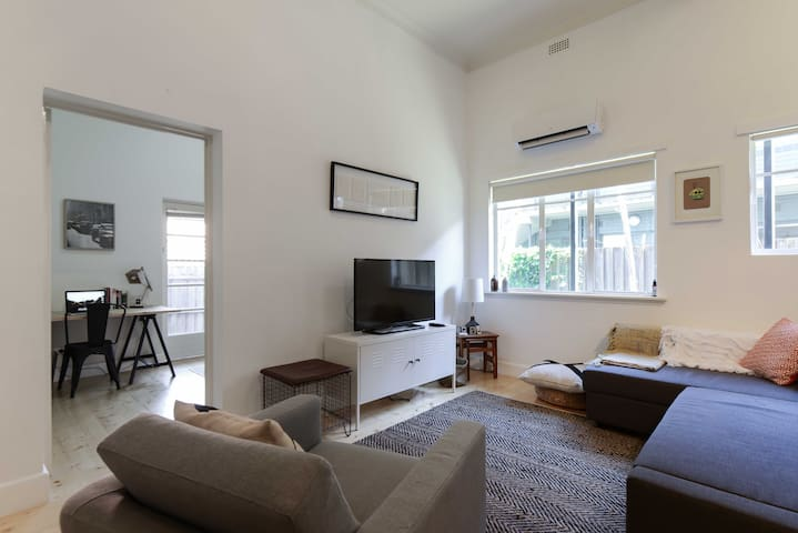 Cosy Private Courtyard Apartment - Hawthorn East - Appartement