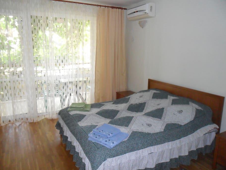 спальня на 2м этаже двухкомнатная.