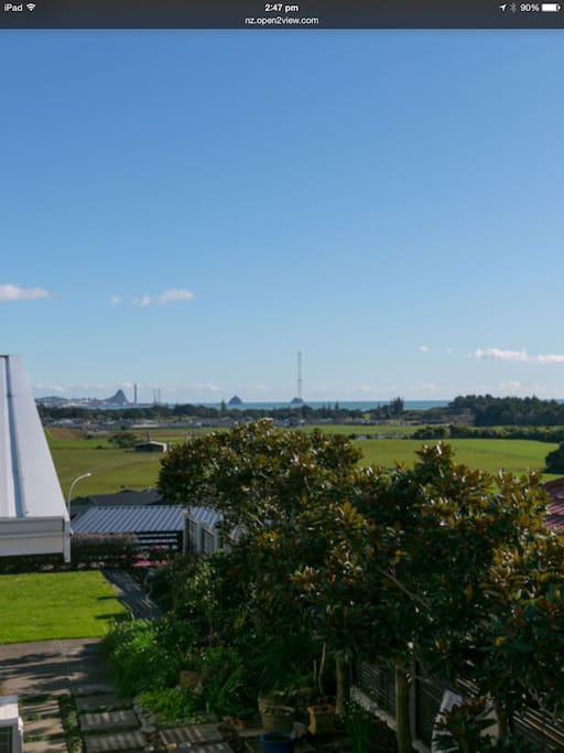 Views of New Plymouth through to the port