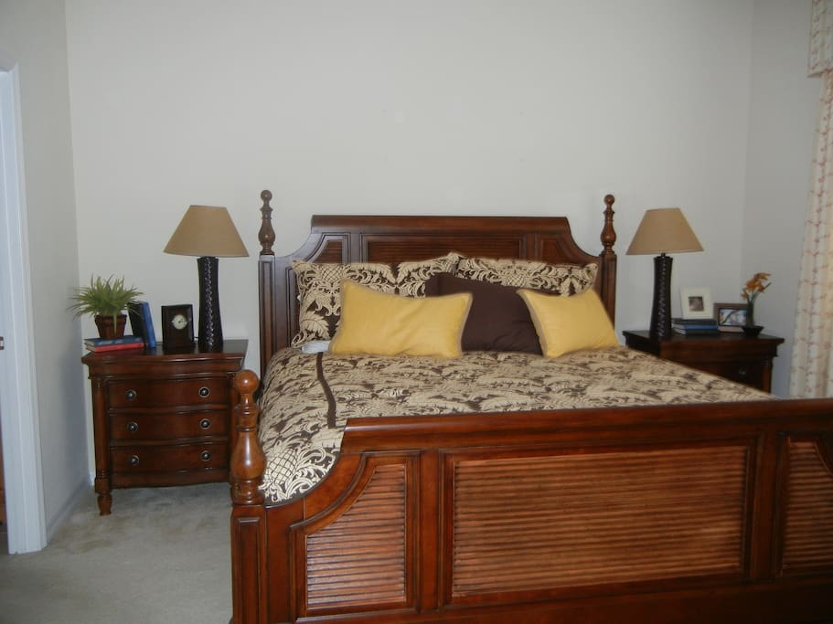 Beautiful Master Bedroom with Super Very Comfy King Bed w/ Mstr Ensuite which includes 2 sinks, shower and commode.  (Blowdryer, starter essential toiletries +more)