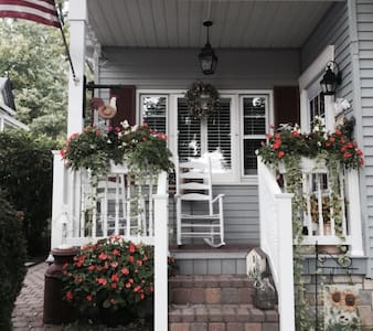 LOVELY Clean&Safe 2 BR NYC Suburban - Staten Island