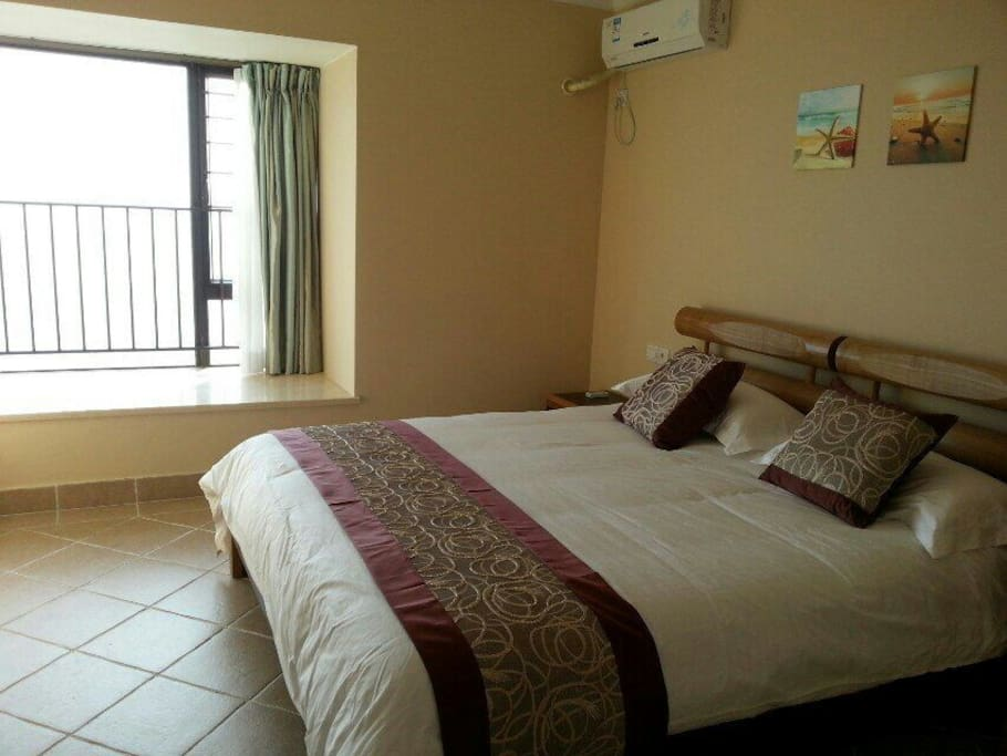 房间 1 --- 1st Bedroom (1.8m king bed )
