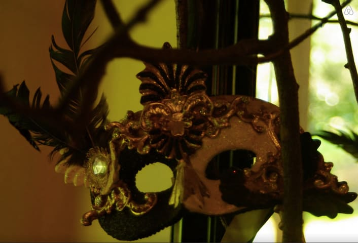 Welcome to Masquerade - Kalorama