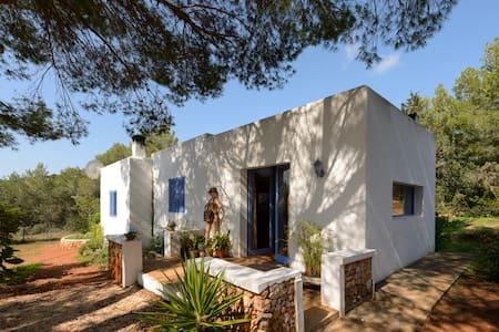 Hermosa habitación en el campo - Ibiza