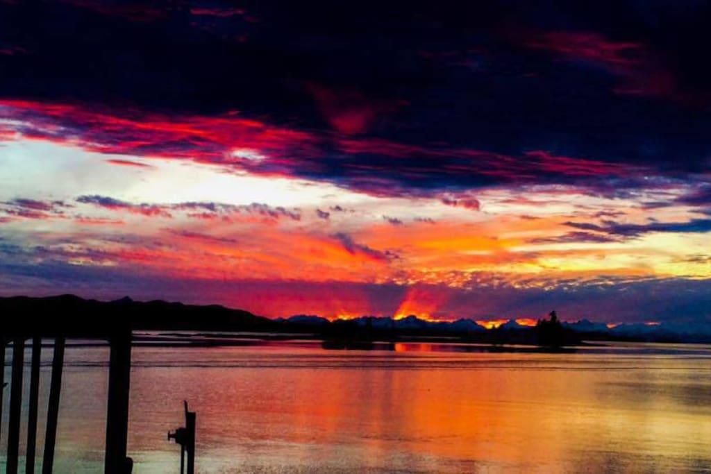 Another beautiful Alaskan sunset.