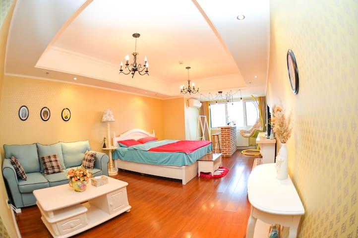 市中心万达广场海景公寓一居室超大窗 - Yantai