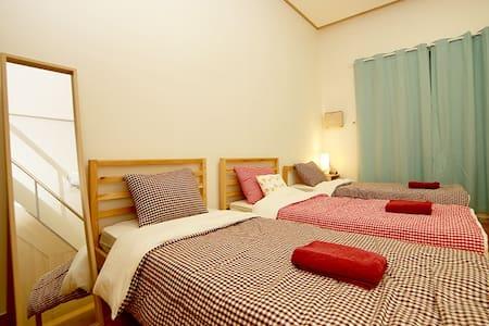 Loft/5-6 Beds @ Seoul Dongdaemun - Dongdaemun-gu - Apartment