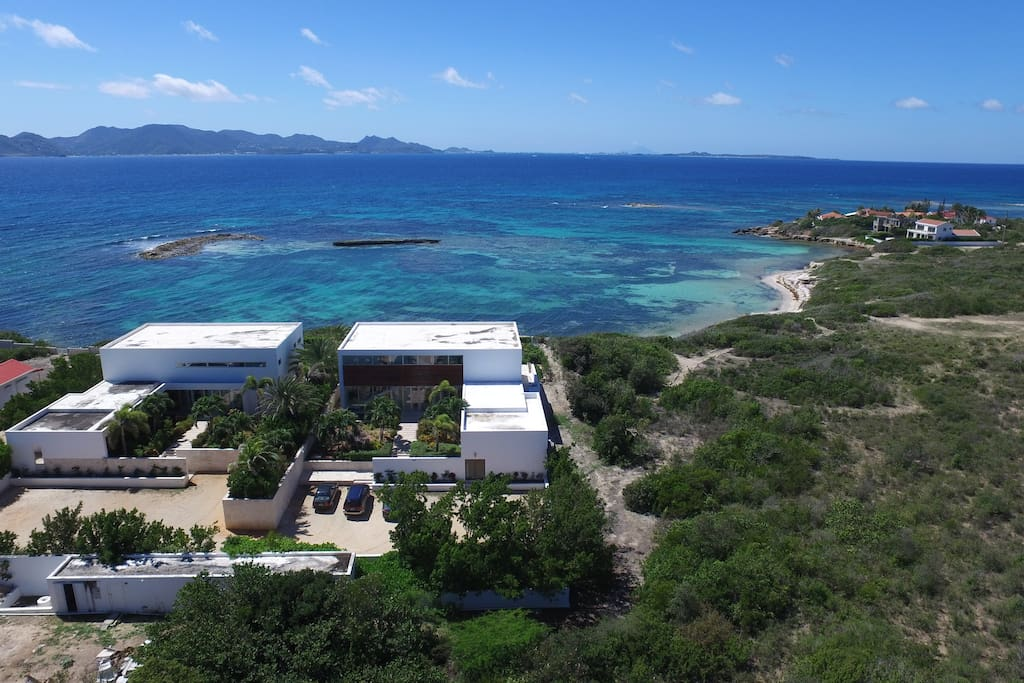 Stunning views of the sea and mountains of St. Martin.