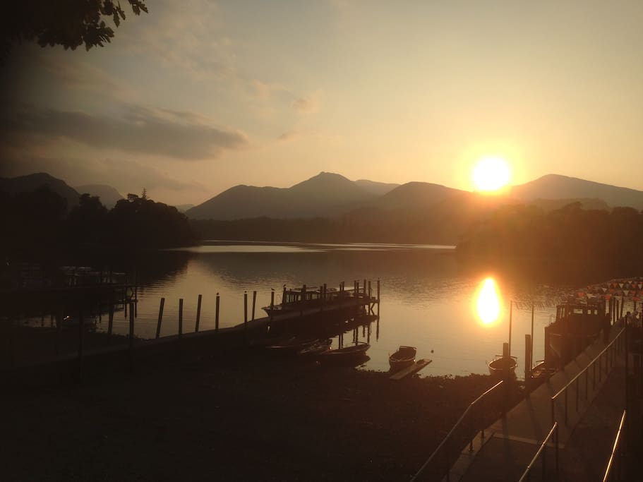Sunset over the lake. We are only 15 minutes from Lake Ullswater and 35 minutes from Keswick