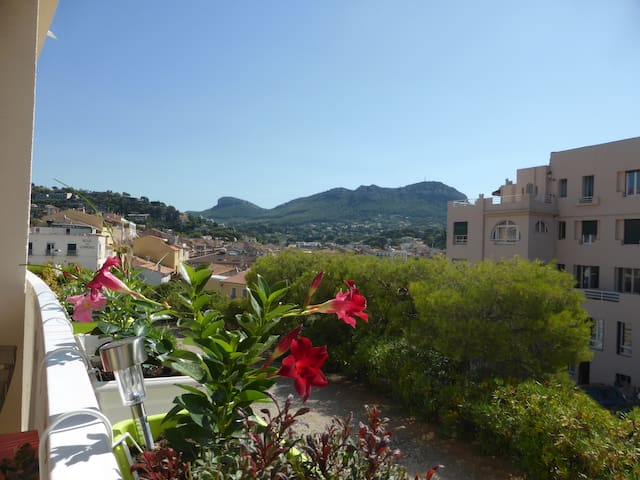 ADORABLE T2 NEUF SUD - PARKING - 2 MN DU PORT - Cassis - Appartement