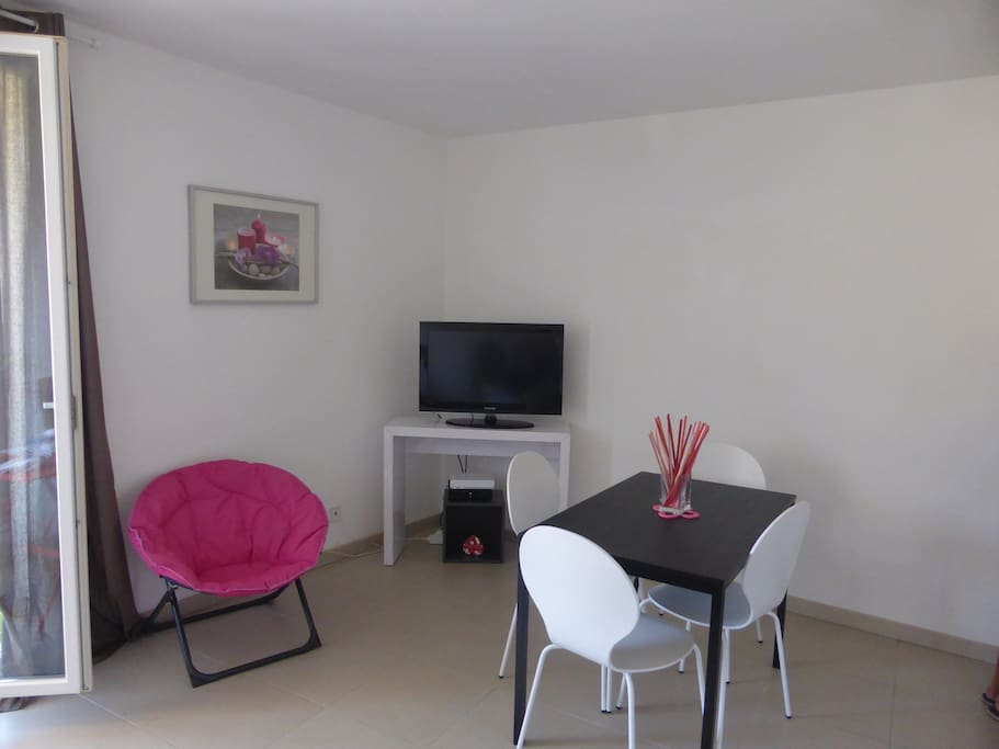television, wi-fi, appartement tout confort