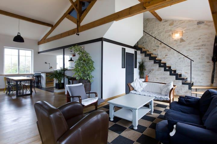 Loft 120 m², plages.