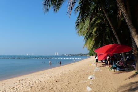 Le Beach Condo - Bang Saray - Huoneisto