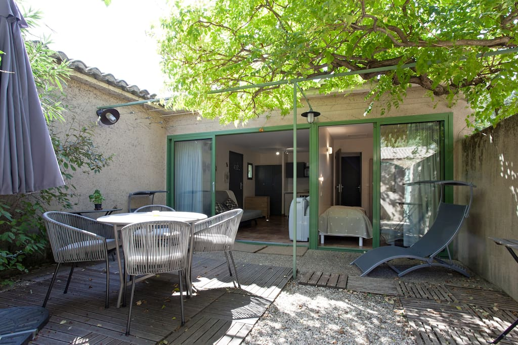 Le mazet de loula 32 m piscine a saint r my de provence for Camping saint remy de provence avec piscine