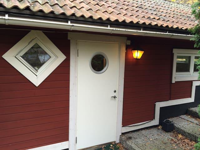 Cottage 20 min. from Stockholm - Nacka - Cabaña