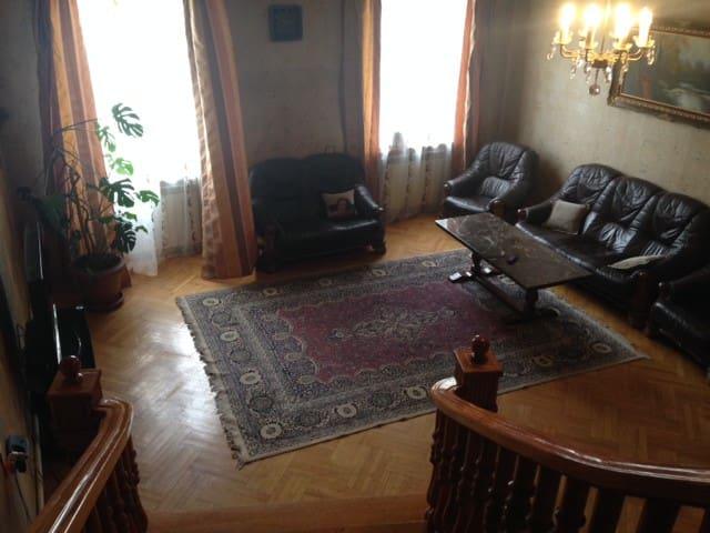 Private room near Stalin Museum - Gori - Dům