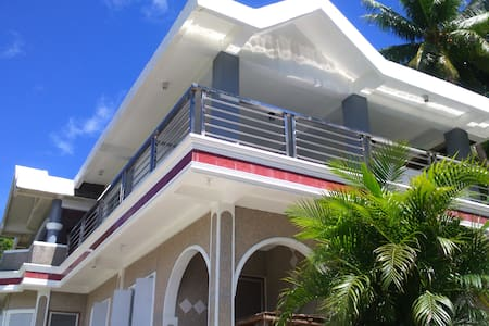 Catanduanes standard house front beach grnd floor - Bato - Gistiheimili