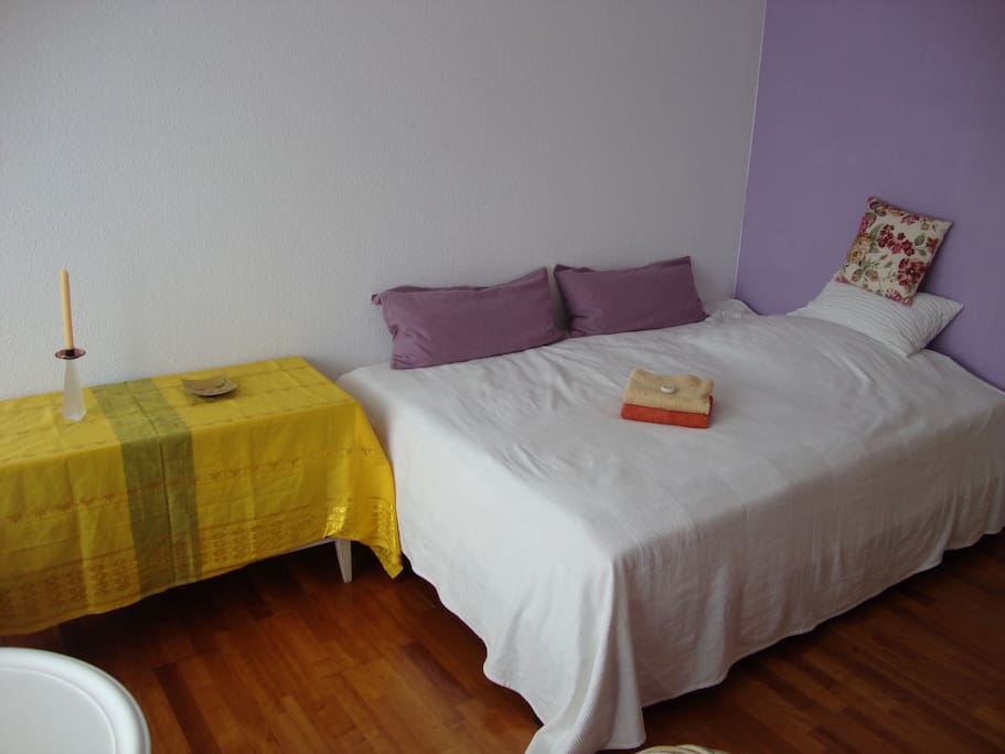 room with double bed 1.40m x 2,00m