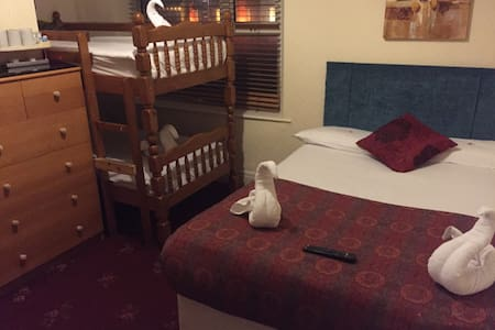 A value seafront hotel in Blackpool - Bed & Breakfast