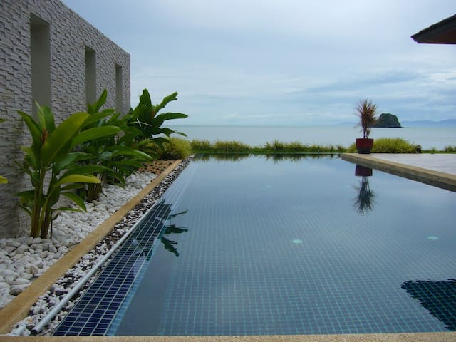 The tranquilly nangkam beach villa. - Surat Thani - Casa