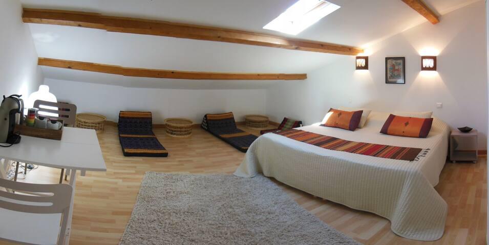 Thai inspired room - Orange - Apartamento