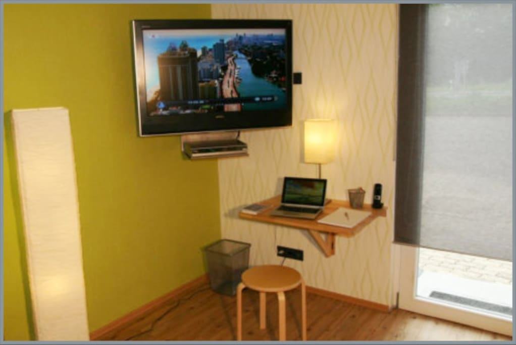 Entertainmentsystem, mini Homeoffice, WIFI/Internet, Festnetztelefon