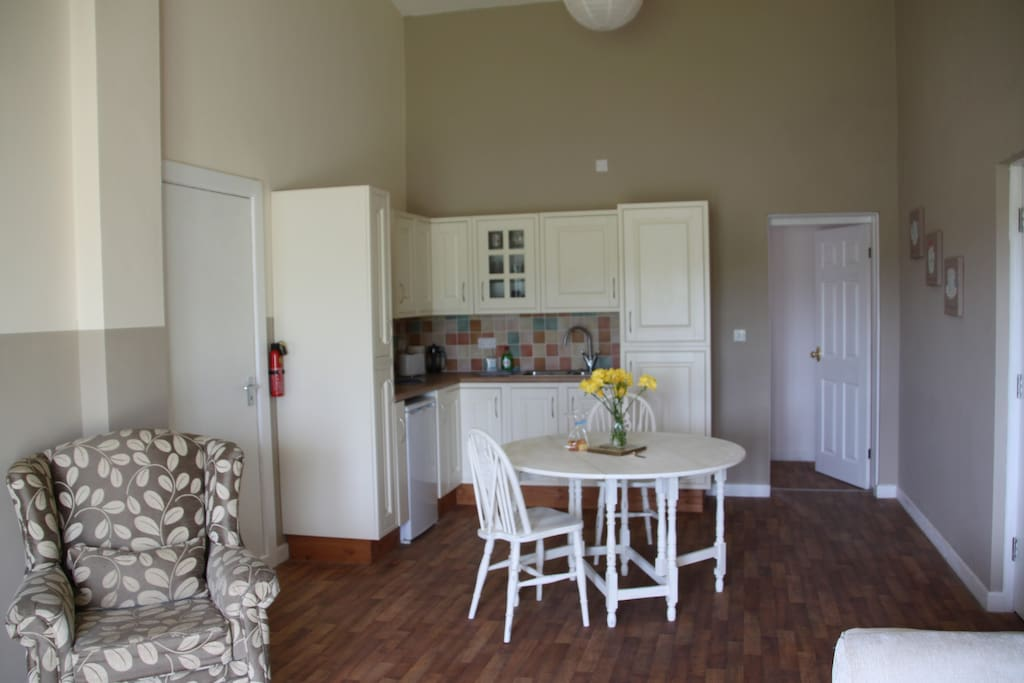 The kitchenette has a microwave, hotplate, fridge, toaster and kettle.